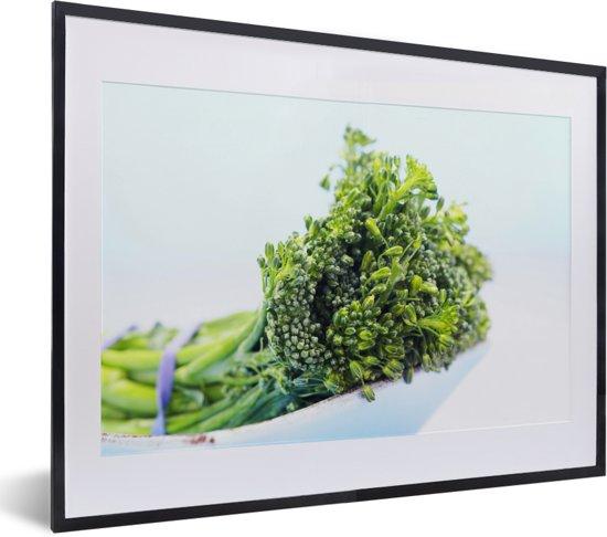 Foto in lijst - Samengebonden bladmoes in een witte schaal fotolijst zwart met witte passe-partout klein 40x30 cm - Poster in lijst (Wanddecoratie woonkamer / slaapkamer)