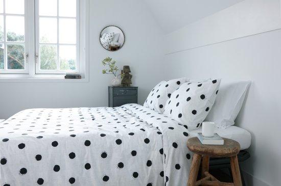 walra dekbedovertrek nina 240x200 220 cm lits jumeaux wit zwart. Black Bedroom Furniture Sets. Home Design Ideas