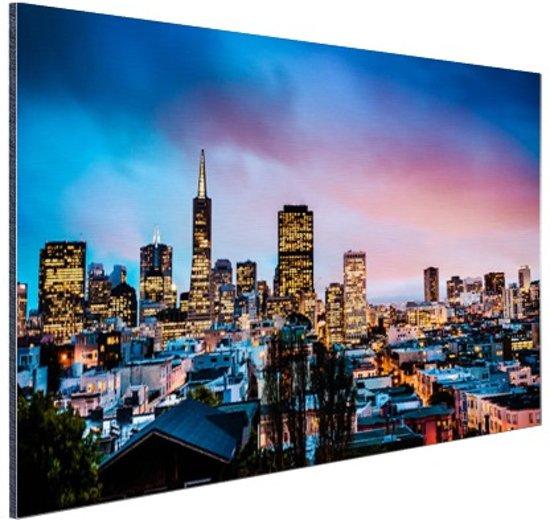 FotoCadeau.nl - Skyline bij nacht Aluminium 90x60 cm - Foto print op Aluminium (metaal wanddecoratie)
