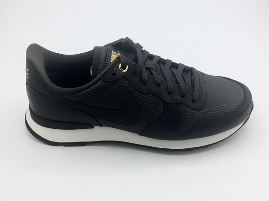 nike internationalist black dames