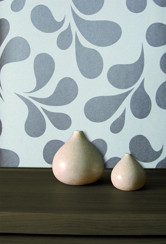 Dutch wallcoverings vliesbehang blad cr me bruin for Wat is vliesbehang