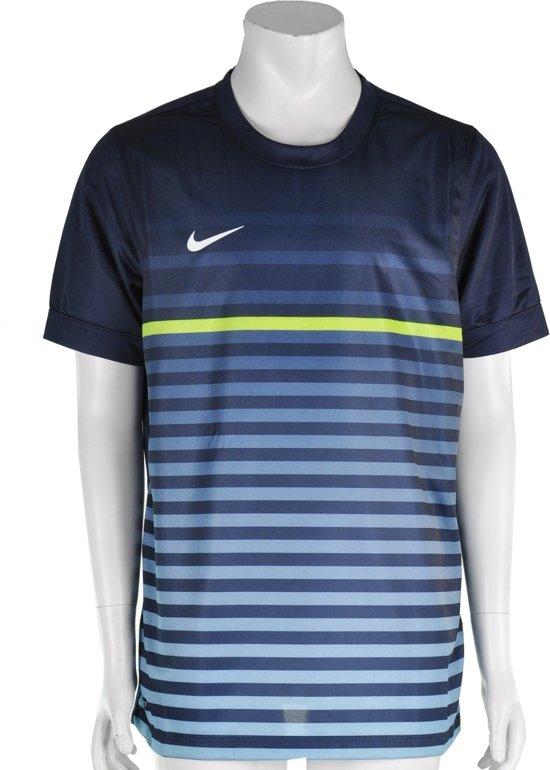 3f26a532074 Nike Short Sleeve Graphic Top III - Sportshirt - Kinderen - Maat 128 - 140 -