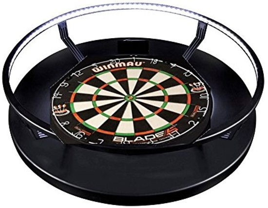 winmau blade 5 met dartbord verlichting en rubberen surround ring