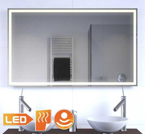 Badkamer led spiegel met verwarming en sensor for Verlichting badkamerspiegel