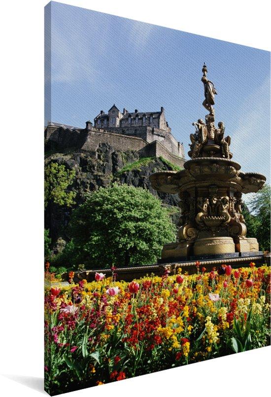 De tuin van het Kasteel van Edinburgh in Schotland Canvas 90x140 cm - Foto print op Canvas schilderij (Wanddecoratie woonkamer / slaapkamer)