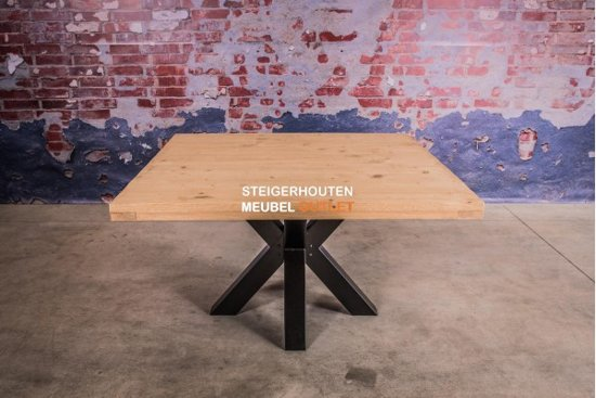Vierkante Eettafel Van Steigerhout.Vierkante Tafel Steigerhout Met Stalen Poot