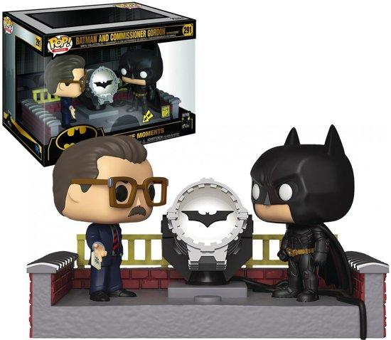Pop Movie Moment Batman with Light Up Bat Signal Vinyl Figure