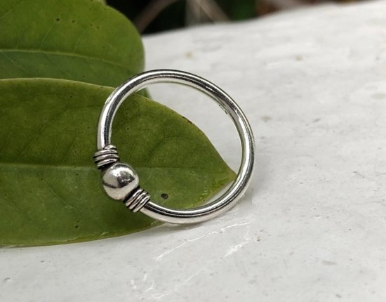 Zilveren ring Bali hoop Dot