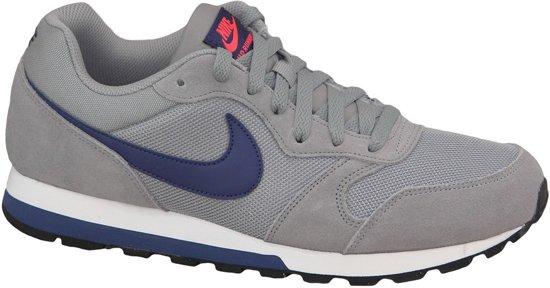 55e85282bd4 bol.com | Nike MD Runner 2 Sportschoenen - Maat 43 - Mannen - grijs ...