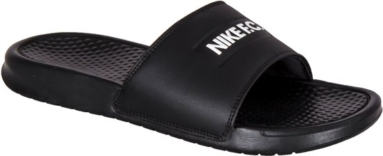 wit Fc Unisex Maat Nike Benassi Zwart Jdislippers 45 4AaCCqw0n