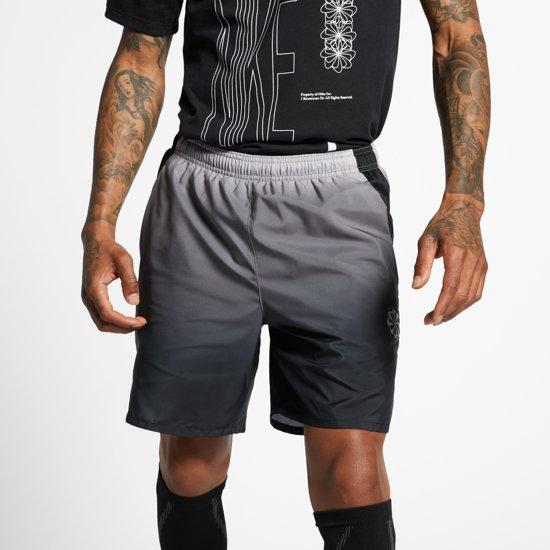 Nike Challenger Short 7In Pr Sportbroek Heren - Gunsmoke/Black/(Reflective Silv) - Maat S
