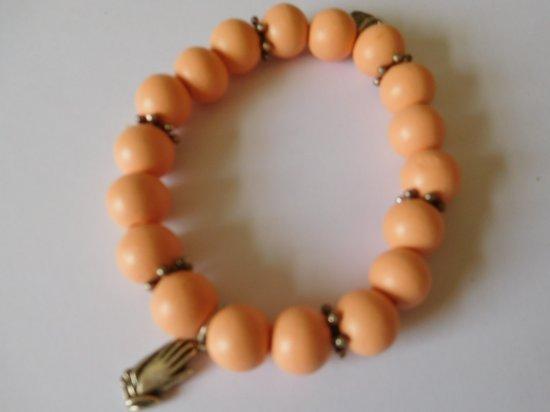 Armband parels zalm kleur