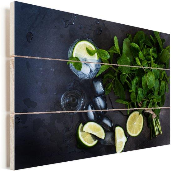 Een verfrissende mojito een typisch zomer drankje Vurenhout met planken 120x80 cm - Foto print op Hout (Wanddecoratie)