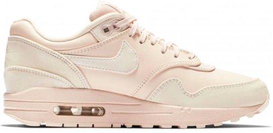 bol.com | Nike Air Max 1 LUX 917691-801 Beige / Roze-42