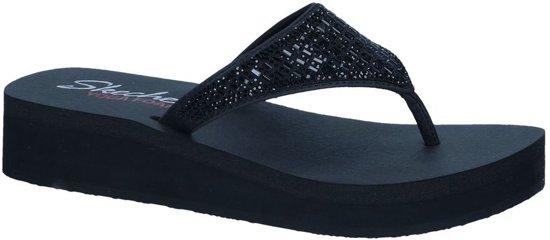e523d4cad715 Zwarte Slippers Skechers Yoga Foam