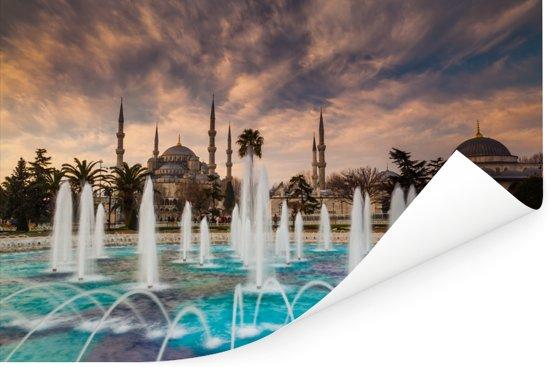 Fontein voor de blauwe moskee in Istanbul Turkije Poster 90x60 cm - Foto print op Poster (wanddecoratie woonkamer / slaapkamer)