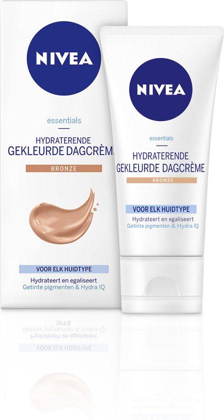 NIVEA Essentials Hydraterende Gekleurde Bronze Dagcrème SPF 15 - 50 ml