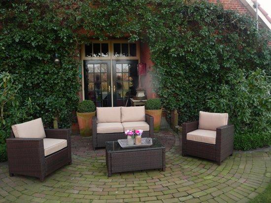 2 Persoons Tafel : Mooie compacte loungeset met persoons bank een tafel en