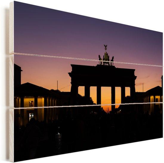 Brandenburger Tor in Europa tijdens een kleurrijke zonsondergang Vurenhout met planken 120x80 cm - Foto print op Hout (Wanddecoratie)