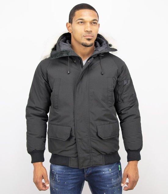 zwarte jas van imitatiebont