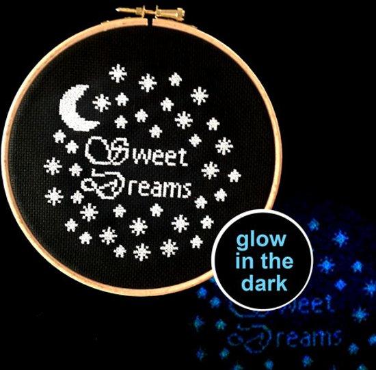Bolcom Borduurpakket Glow In The Dark Sweet Dreams Modern