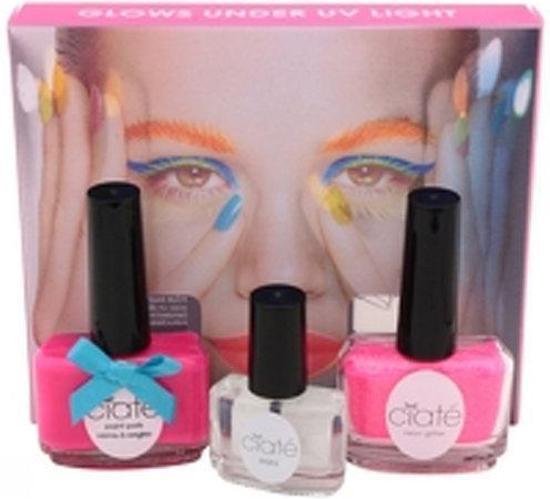 Foto van Ciaté corrupted neon manicure pink Nail Art kit