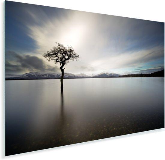 Uitzicht over het meer van Loch Lomond in Schotland met een grijze hemel Plexiglas 120x80 cm - Foto print op Glas (Plexiglas wanddecoratie)