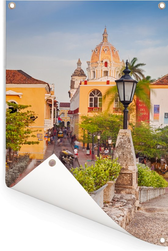 Kerk in de tropische havenstad van oud-Cartagena Colombia Tuinposter 40x60 cm - klein - Tuindoek / Buitencanvas / Schilderijen voor buiten (tuin decoratie)