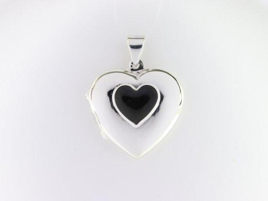 Hartvormig zilveren medaillon met onyx