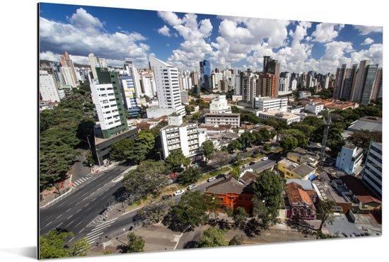 Luchtfoto van de Zuid-Amerikaanse stad Belo Horizonte Aluminium 180x120 cm - Foto print op Aluminium (metaal wanddecoratie) XXL / Groot formaat!