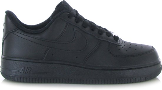 c58cea8d858 bol.com | Nike Air Force 1 07 Zwart - 37,5