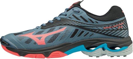 Mizuno Wave Lightning Z4 koraal indoor schoenen dames