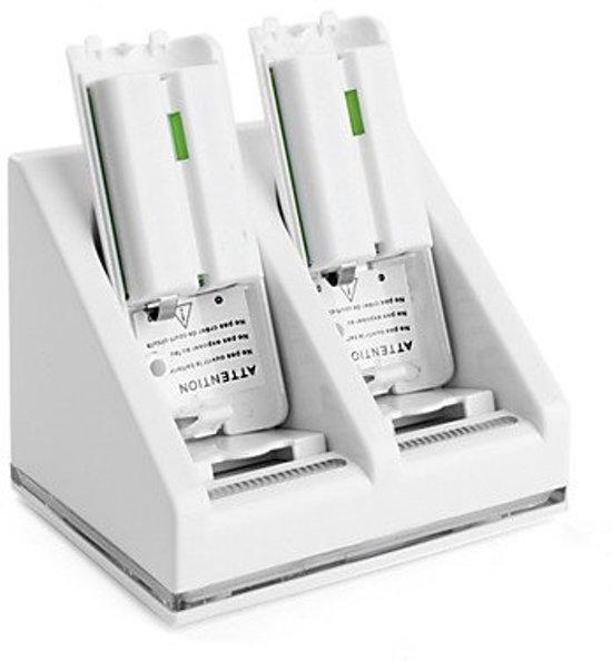 Luxe oplaadstation met accu's voor 2 Wii controllers - wit