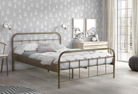 Vipack - Boston Bed 140x200 Cm - Brons
