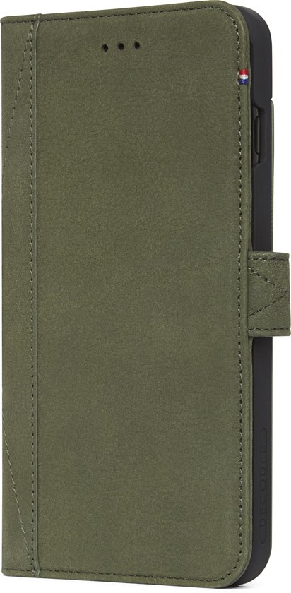 Decoded Wallet Case - Premium Leren Book Cover met magneetsluiting  voor iPhone 8 Plus / 7 Plus / 6s Plus / 6 Plus  - Groen