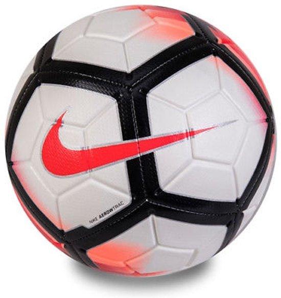 a0da9a0f064 bol.com | Nike Strike voetbal - rood - maat 4