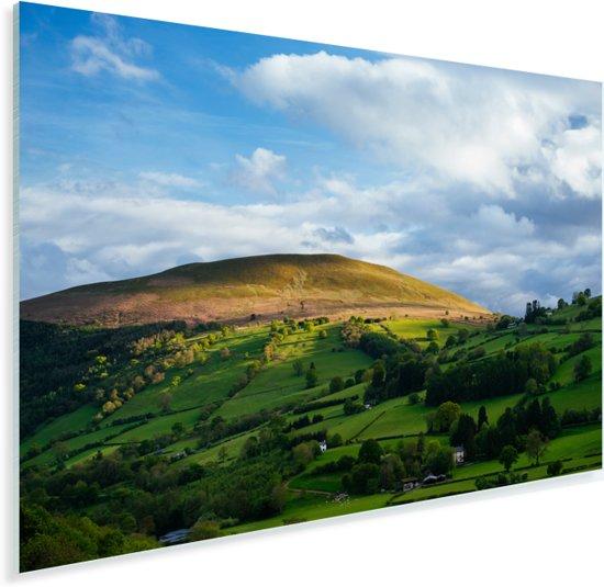Een vallei in het Europese Nationaal park Brecon Beacons tijdens de middag Plexiglas 30x20 cm - klein - Foto print op Glas (Plexiglas wanddecoratie)