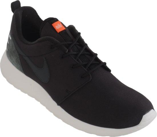 4d41fe38fe7 Nike Roshe One Retro Sportschoenen - Maat 42 - Unisex - zwart/grijs/wit