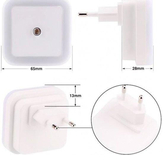 LED Lamp met Daglicht Sensor - Duurzaam Nacht Sfeer - Lamp - Stopcontact - Nachtlamp Sensor - Kinder Lamp - Slaapkamer - Vierkant - Wit -