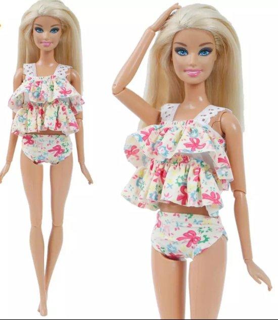 Poppenkleertjes - geschikt voor Barbie - tankini met bloemetjes, strikjes en ruches - met zwemband en slippers - zwemkleding - zomer