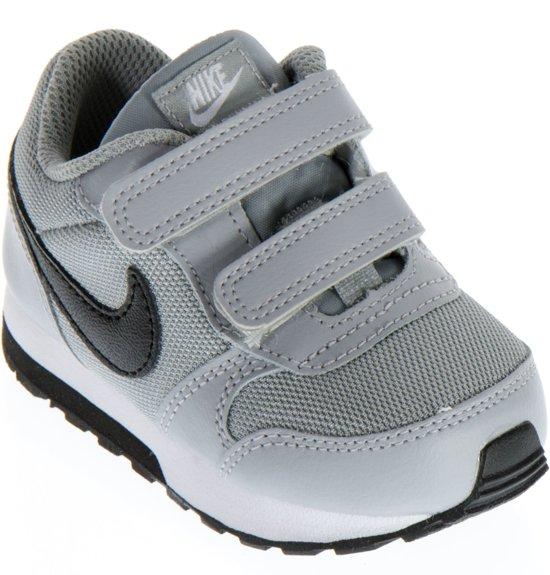 best loved a8ede 4b829 Nike MD Runner 2 (TDV) Sneakers - Maat 23.5 - Jongens - grijs