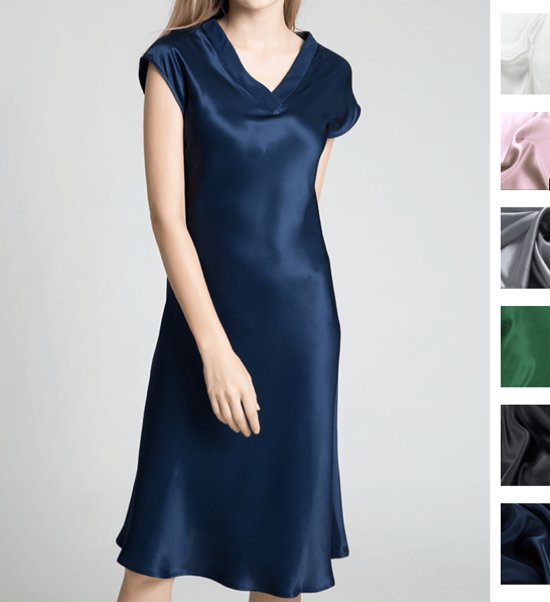 blauwe zijden jurk