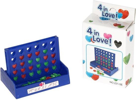4 Op een rij reisspel met hartjes