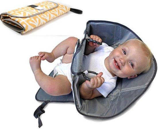 Verschoonmatje/ aankleedmat luier baby opvouwbaar -met armhouders-