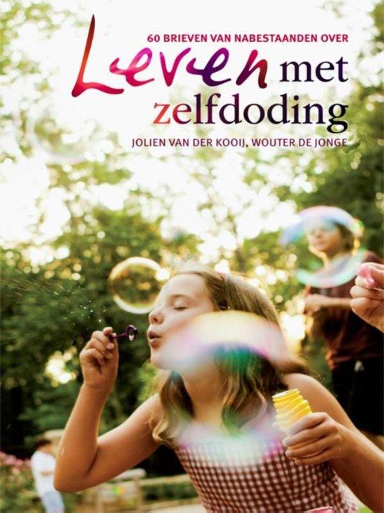 Boek cover Leven met zelfdoding van Jolien van der Kooij (Onbekend)