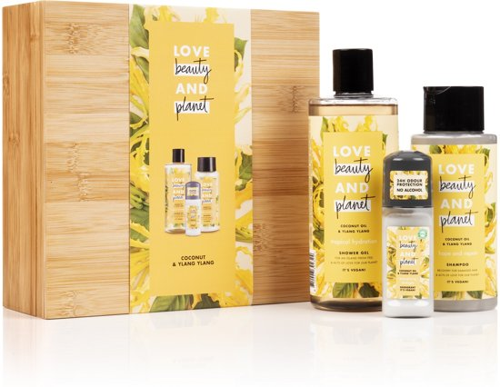 Love Beauty and Planet Luxe Geschenkset Yellow Bamboo Box - Coconut Oil and Ylang Ylang - Kerstcadeau