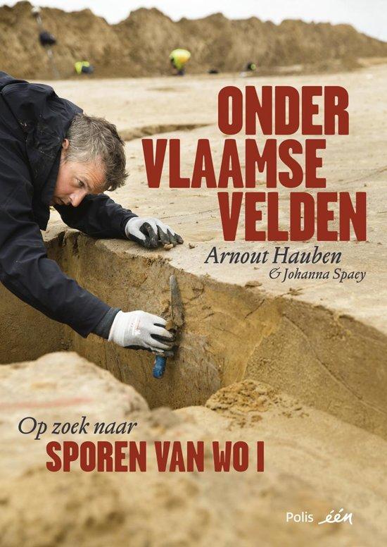 Boek cover Onder Vlaamse velden van Arnout Hauben (Hardcover)