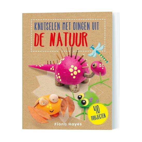 Boek cover Knutselen met dingen uit de natuur van Fiona Hayes (Paperback)