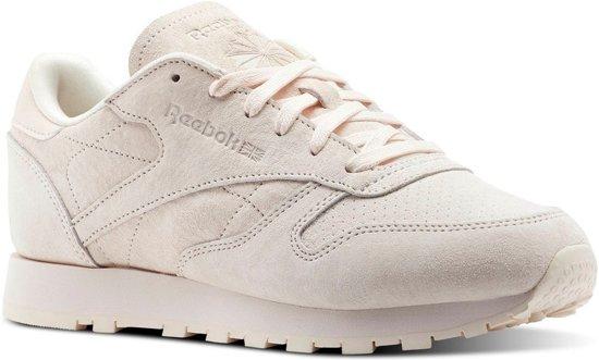 b06f63bc64a bol.com | Reebok Sneakers Classic Leather Nbk Dames Lichtroze Maat 36
