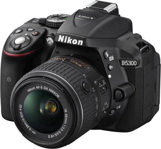 Nikon D5300 + AF-S DX 18-55 VR II - Spiegelreflexcamera - Zwart